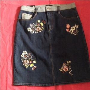 Buffalo Denim Embroidered Skirt sz 14